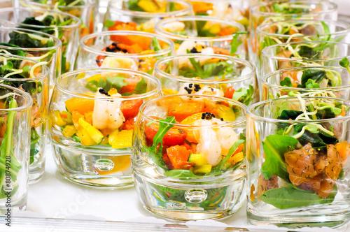 Foto op Aluminium Buffet, Bar Salatvariationen im Glas