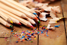 Wooden Colorful Pencils With Sharpening Shavings,