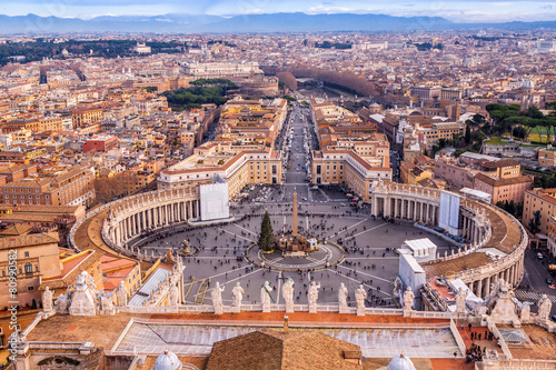 Photo  Saint Peter's Square in Vatican and aerial view of Rome