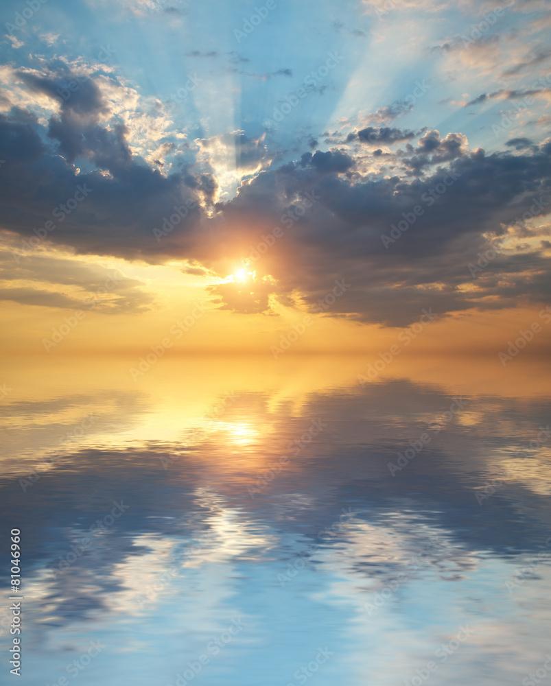 Fototapety, obrazy: Wschód słońca z odbiciem w wodzie