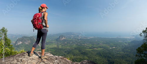 Photographie Lady hiker on the mountain
