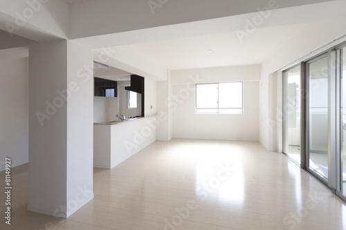Fotografiet  マンションのリビングダイニングキッチン 施工 イメージ シンプル家具なし