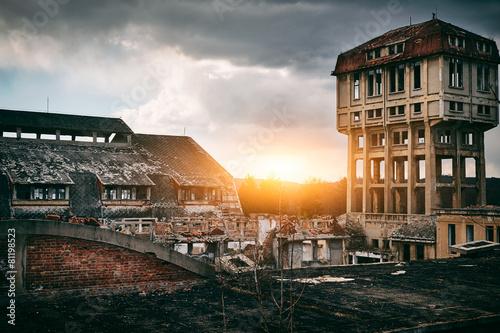 Papiers peints Les vieux bâtiments abandonnés Old abandoned coal mine buildings