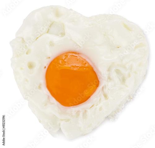 Foto op Plexiglas Gebakken Eieren Heart Shaped Egg Isolated