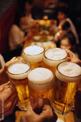 Foto  ビールで乾杯