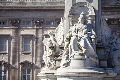 Victoria Memorial and Buckingham Palace in London Fototapeta