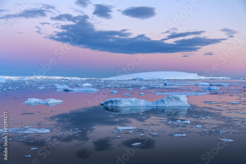 In de dag Antarctica Midnight Sun - Weddell Sea - Antarctica