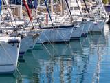Yachten in einem Hafen