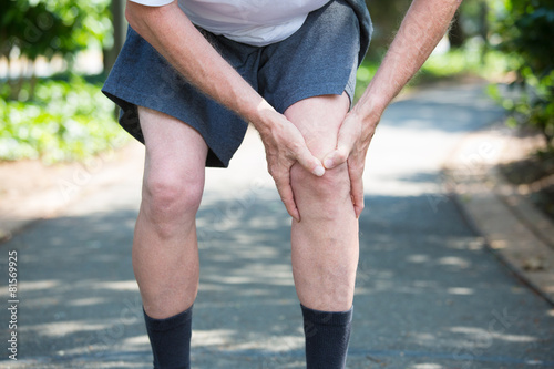Fotografiet  Knee pain