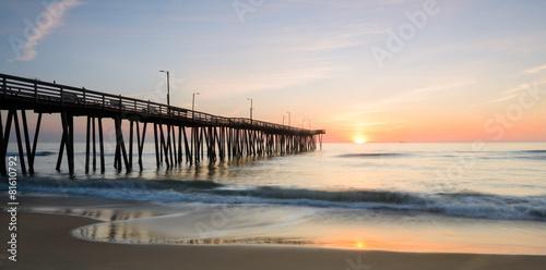 Fototapeta  Sunrise off 14th st. Pier 2