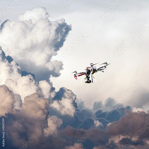 samolot-w-chmurach