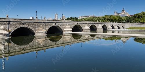 Photo Puente de Segovia en Madrid