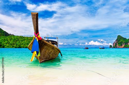 Fotografie, Obraz  Dlouhá loď a tropické pláže, Andamanské moře, Thajsko