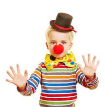 Kind Macht Pantomime Als Clown...