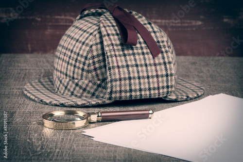 Valokuva  Sherlock Hat and magnifying glass
