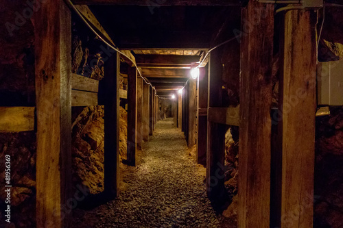 Fotografia, Obraz  undergroung mine passage in the mountains
