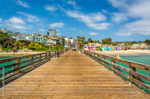 Obraz The pier and view of the beach in Capitola, California. - fototapety do salonu