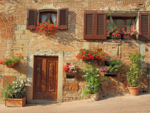 Beautiful Doorway To The Tusca...