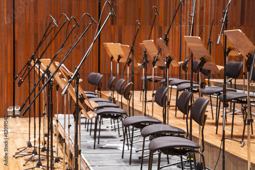 obraz dibond Orchestra stage with chairs and microphone in row