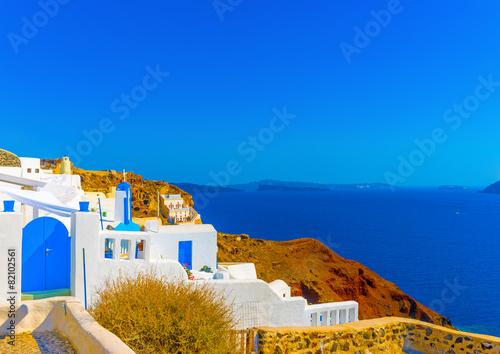Poster de jardin Europe Méditérranéenne View to sea from a terrace in Oia of Santorini island in Greece
