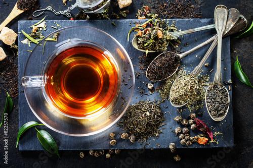 herbata-w-ciekawym-wydaniu-zdjecie-z-gory