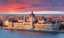 Budapest Parliament At Dramati...