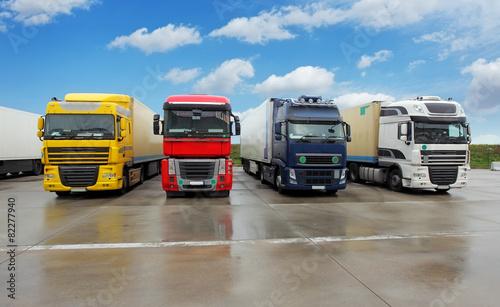 Truck in warehouse - Cargo Transport Tapéta, Fotótapéta