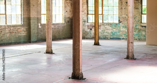 Staande foto Industrial geb. Empty warehouse office or commercial area, industrial background