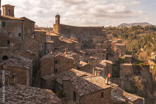 Beautiful medieval town in northern Tuscany, Sorano - 82329597