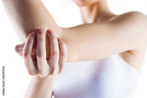 Fotografía  Fit woman with elbow injury