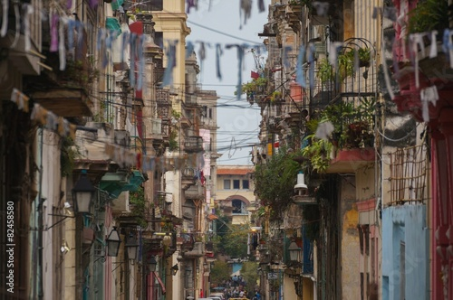 Fototapeten Schmale Gasse La Havane