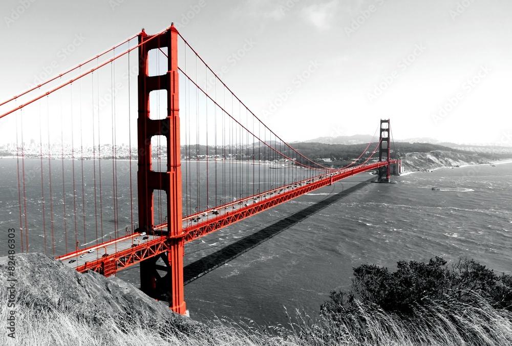 Fototapeta Golden Gate Bridge Red Pop on B&W