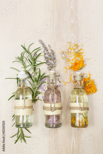 Pinturas sobre lienzo  Aromatherapy massage oils