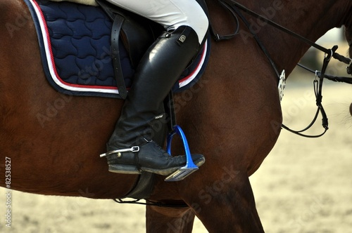 Deurstickers Paardrijden Das Reiten im Detail, Reitstiefel, Steigbügel und Sporn