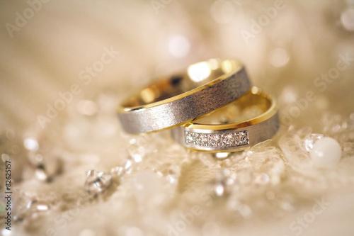 wedding rings. Shallow dof - 82625157