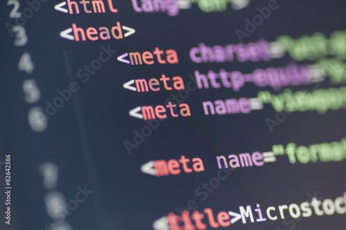 Fotografía  Meta código de la etiqueta HTML en la pantalla del ordenador