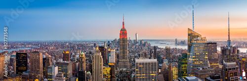 Foto op Aluminium New York New York skyline panorama at sunset