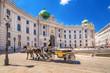 Leinwandbild Motiv Fiaker vor der Alten Hofburg, Wien, Österreich