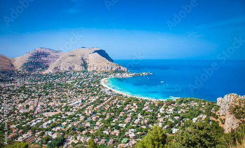 Tuinposter Palermo Panoramic view on Mondello beach in Palermo, Sicily.