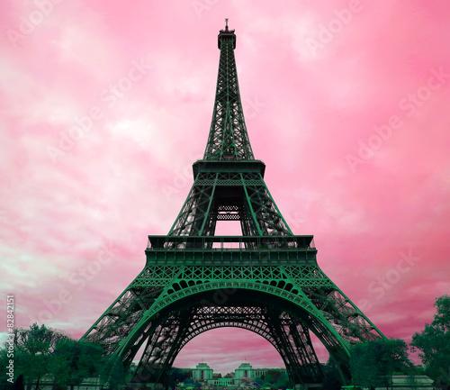 Papiers peints Tour Eiffel Eiffel Tower in Paris, France.