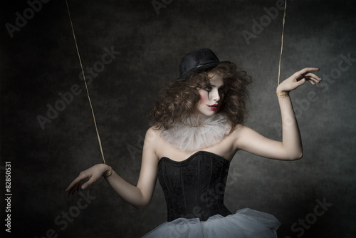Fotografia  sensual clown puppet female