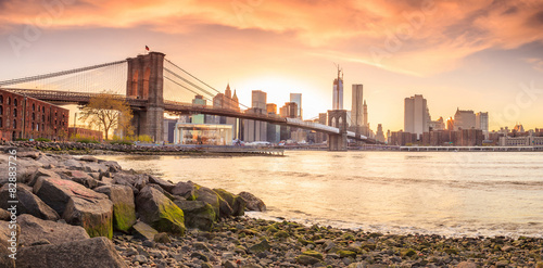Spoed Fotobehang Brooklyn Bridge Brooklyn Bridge at sunset