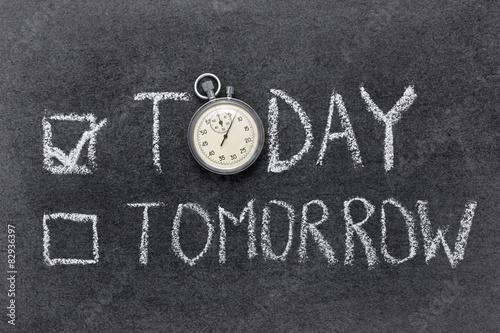 Obraz today vs tomorrow - fototapety do salonu