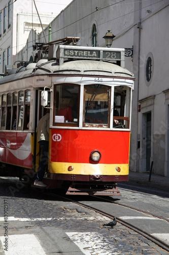 Spoed Foto op Canvas Krakau Historische Straßenbahn in Lissabon