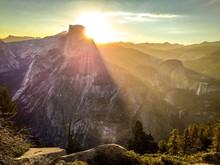 Sun Rises Over Half Dome In Yo...