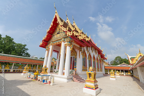 Foto op Aluminium Temple temple under sunlight with clear sky at Wat Sawang Phop
