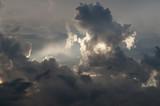 Dramatyczne niebo - 83075153