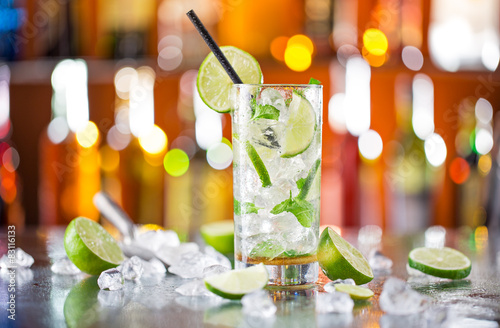 Fotografie, Tablou  fresh mojito drink on bar desk