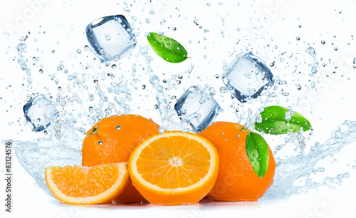 Oranges with Water splashes - 83124576