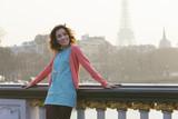 Fototapeta Londyn - Woman visiting Paris